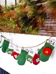 Advent Mitten Garland